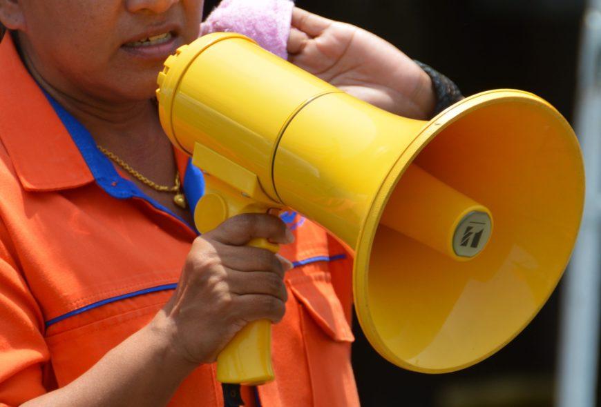 megaphone-1381104_1920